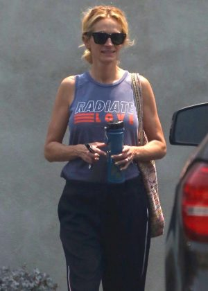 Julia Roberts - Leaving a gym in Malibu