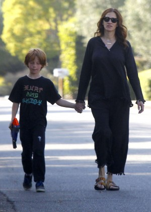 Julia Roberts - Out and about in Malibu