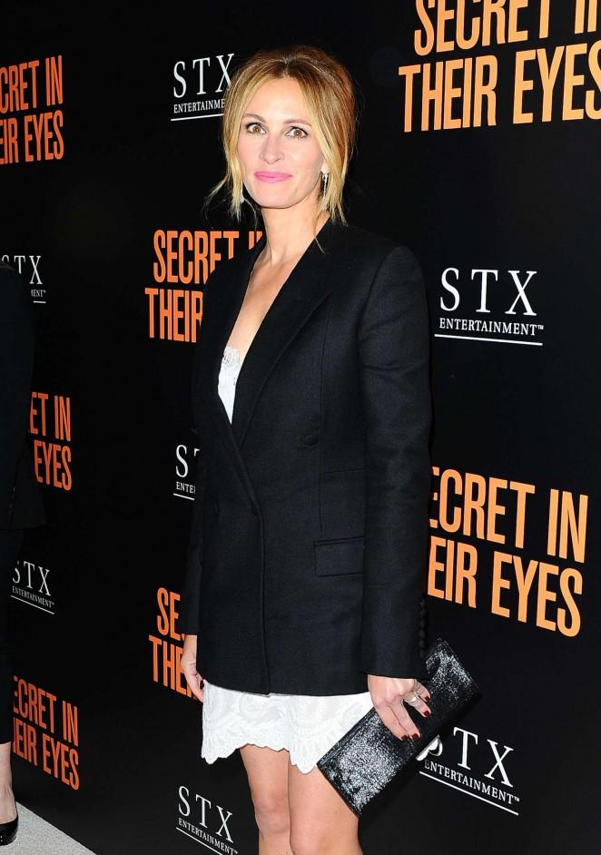 Julia Roberts - 'Secret In Their Eyes' Premiere in Westwood