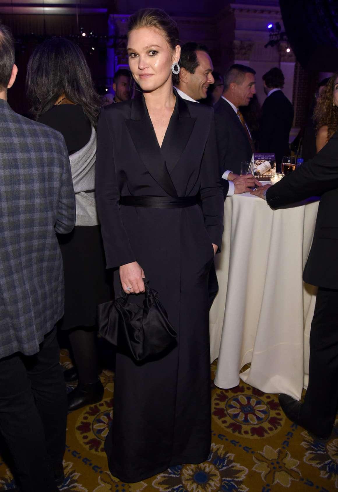 Julia Stiles 2019 : Julia Stiles – 2019 IFP Gotham Awards in NYC-06