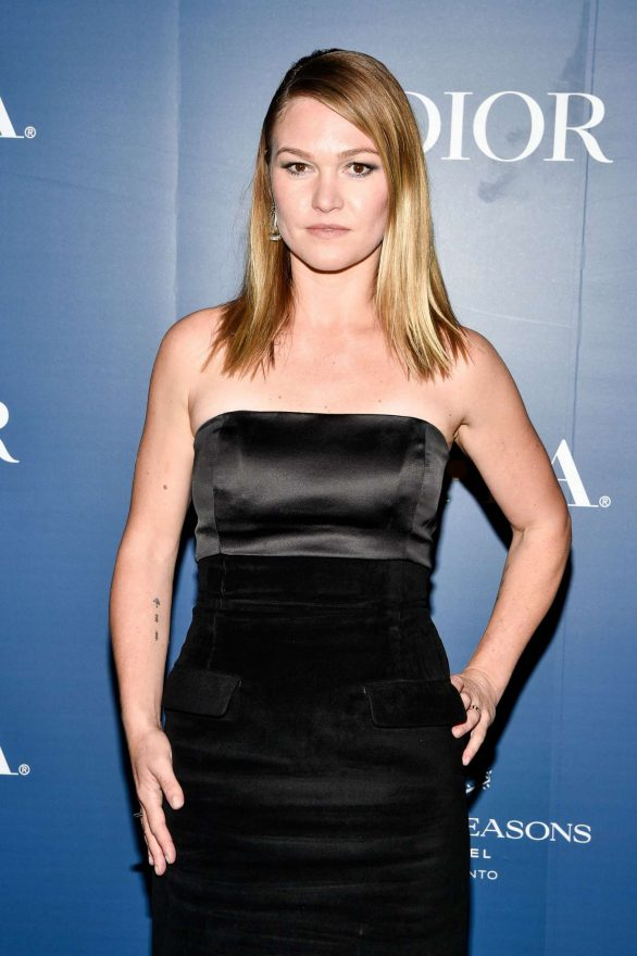Julia Stiles - HFPA x The Hollywood Reporter party in Toronto