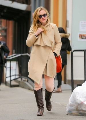 Julia Stiles: Out in NYC -01