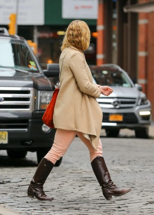 Julia Stiles: Out in NYC -05