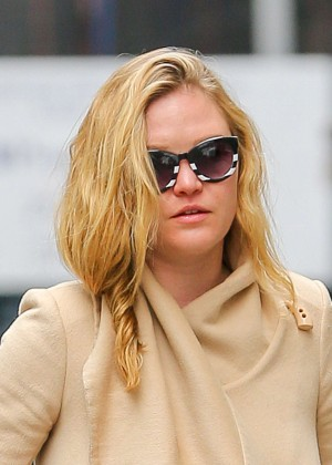 Julia Stiles: Out in NYC -07