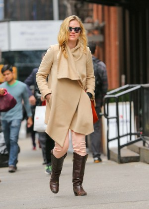 Julia Stiles: Out in NYC -08