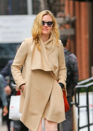 Julia Stiles - Out and about in NYC