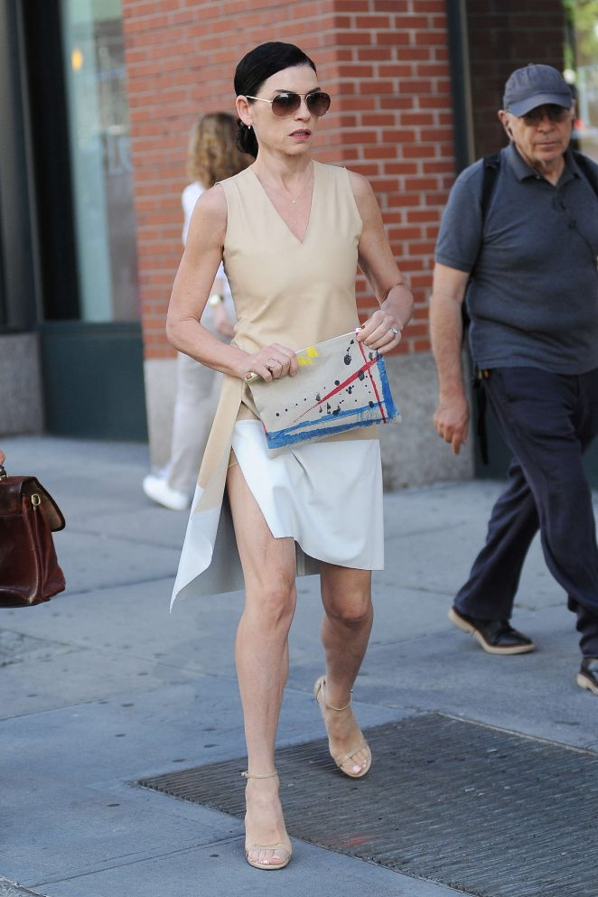 Julianna Margulies out in New York City -10