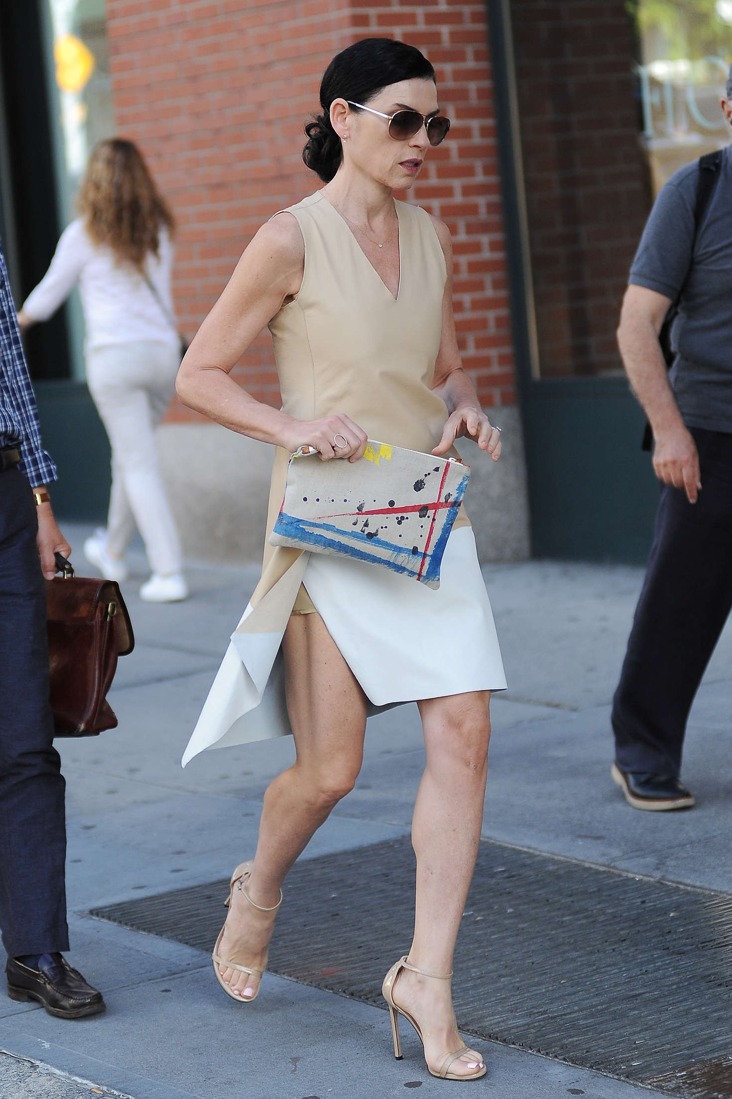 Julianna Margulies Out In New York City 12 Gotceleb