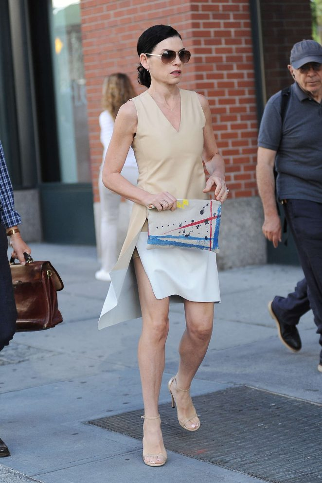 Julianna Margulies out in New York City -14