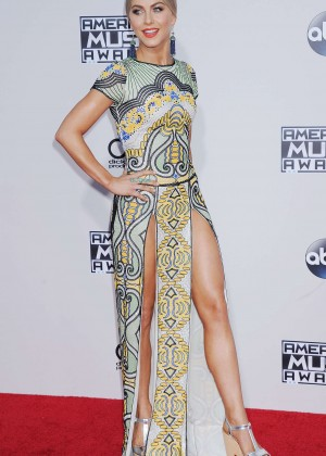 Julianne Hough - 2015 American Music Awards in Los Angeles