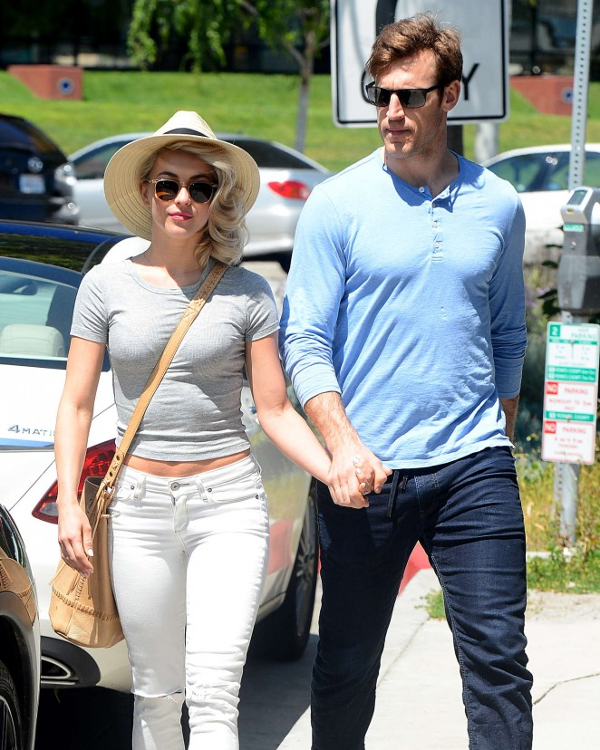 Julianne Hough and Brooks Laich Leave Cafe Zinque in Los Angeles