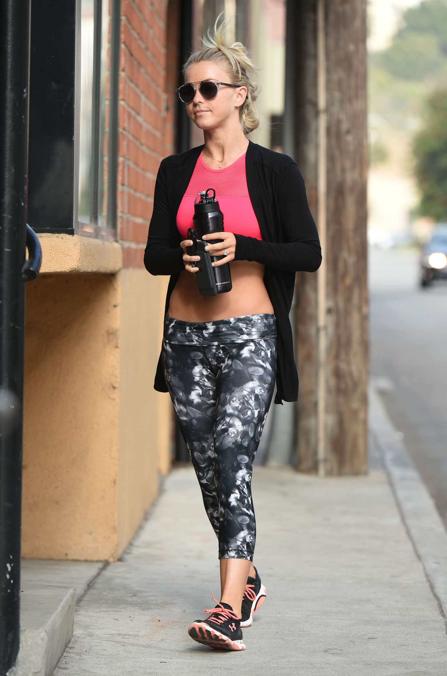 Julianne Hough 2016 : Julianne Hough: Arrives at Tracy Andersons Studio -04