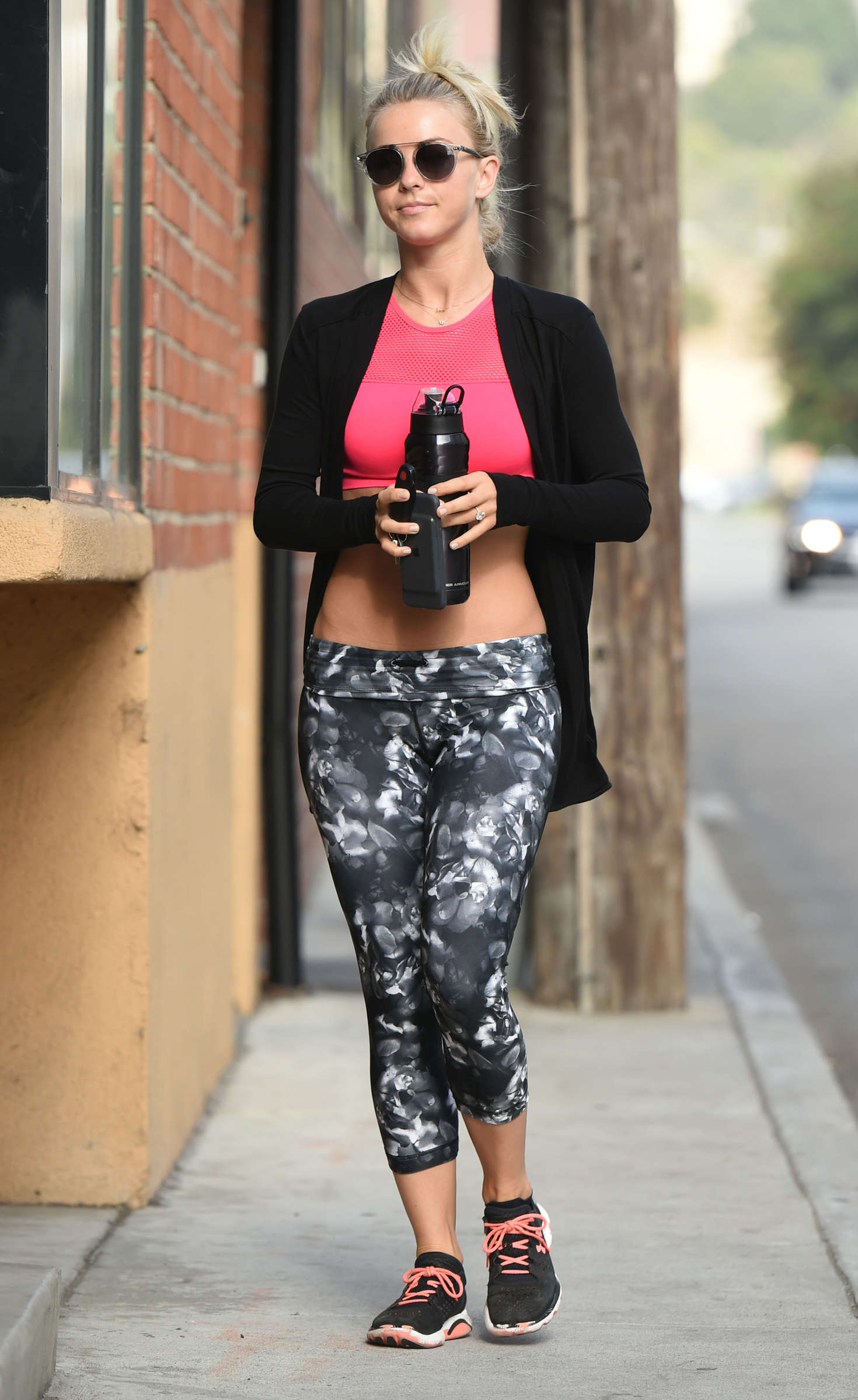 Julianne Hough 2016 : Julianne Hough: Arrives at Tracy Andersons Studio -06
