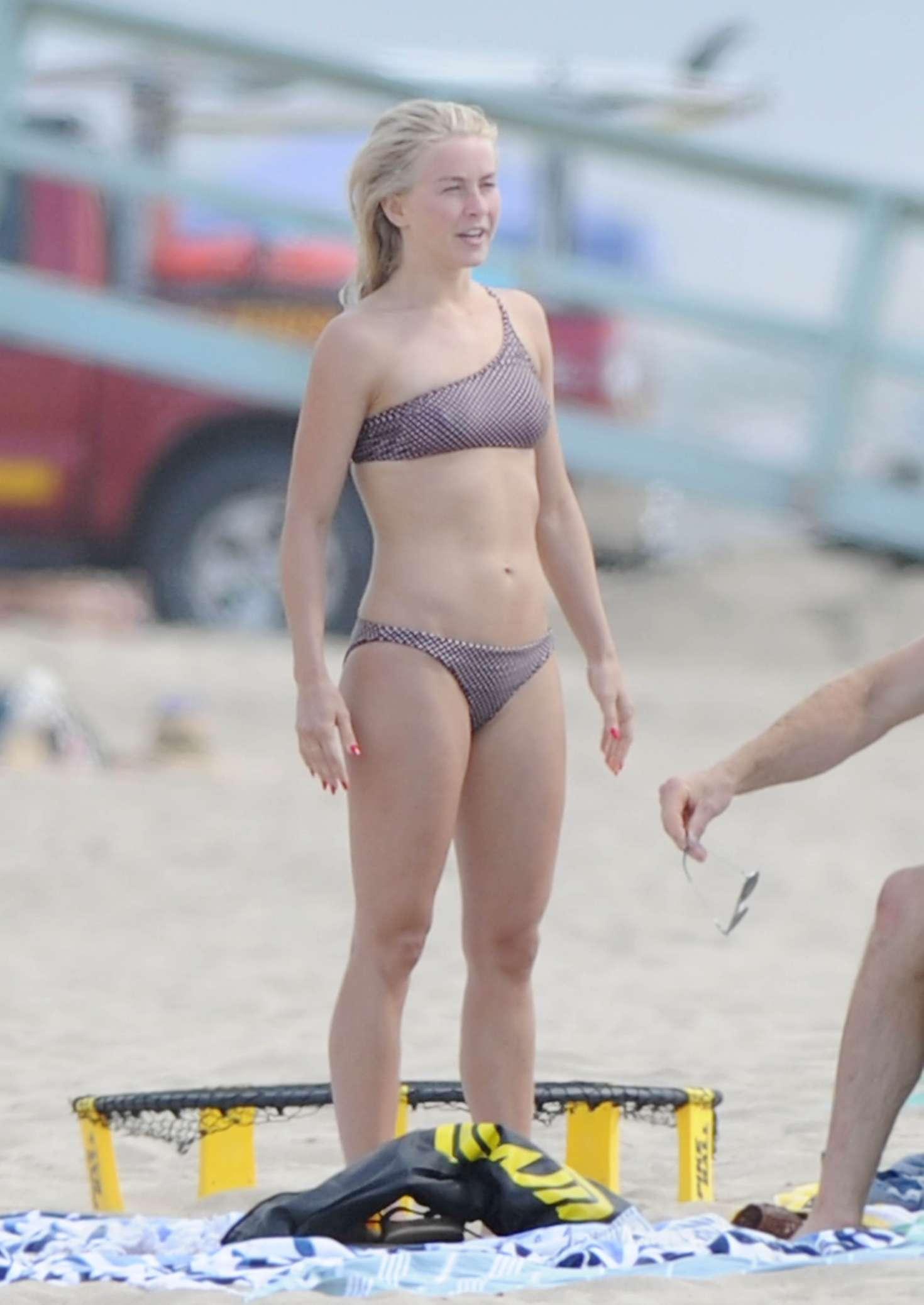 Julianne Hough 2017 : Julianne Hough: Bikini with husband Brooks Laich at the beach in Manhattan Beach-36
