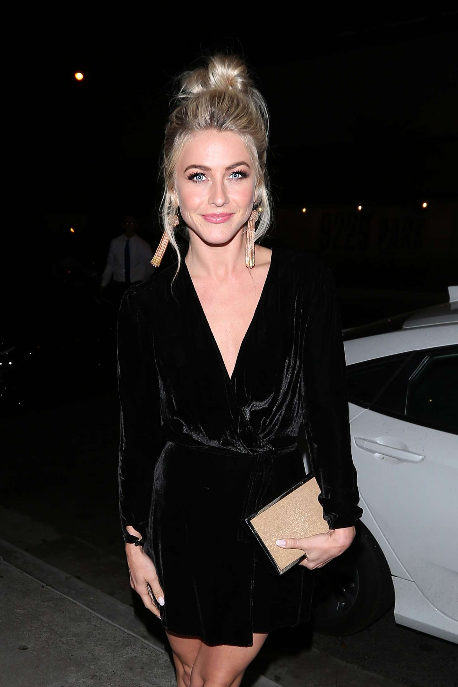 Gabriella Onion Booty within julianne hough - celebrates a friend's birthday at boa steakhouse