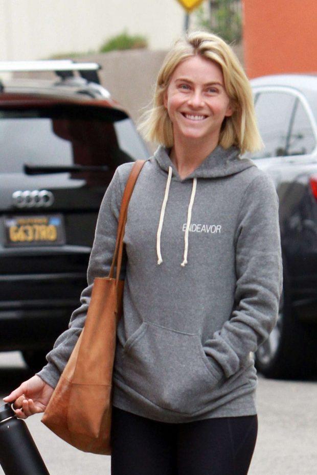 Julianne Hough - Hits the gym in LA