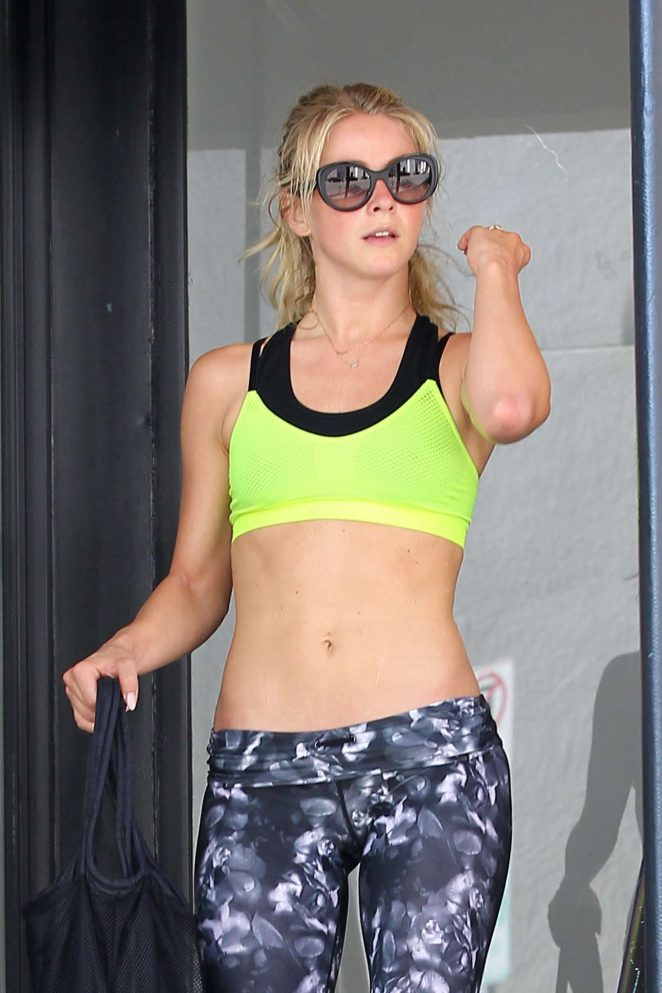 Julianne Hough in Spandex Leaving the Gym in Los Angeles