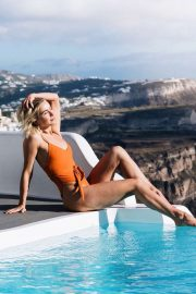 Julianne Hough in Swimsuit - Social Media Pics