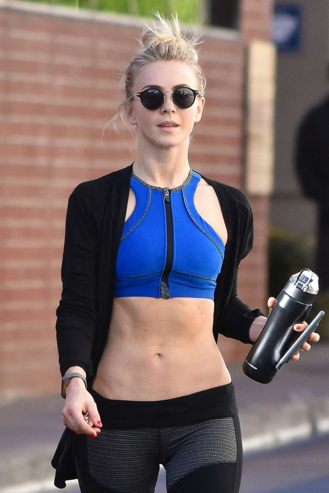 Julianne Hough in Tight Leggings Leaves the Gym in Studio City