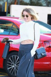 Julianne Hough - Leaves a dance studio in LA