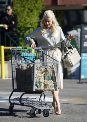 Julianne Hough - Leaves Whole Foods Market in LA