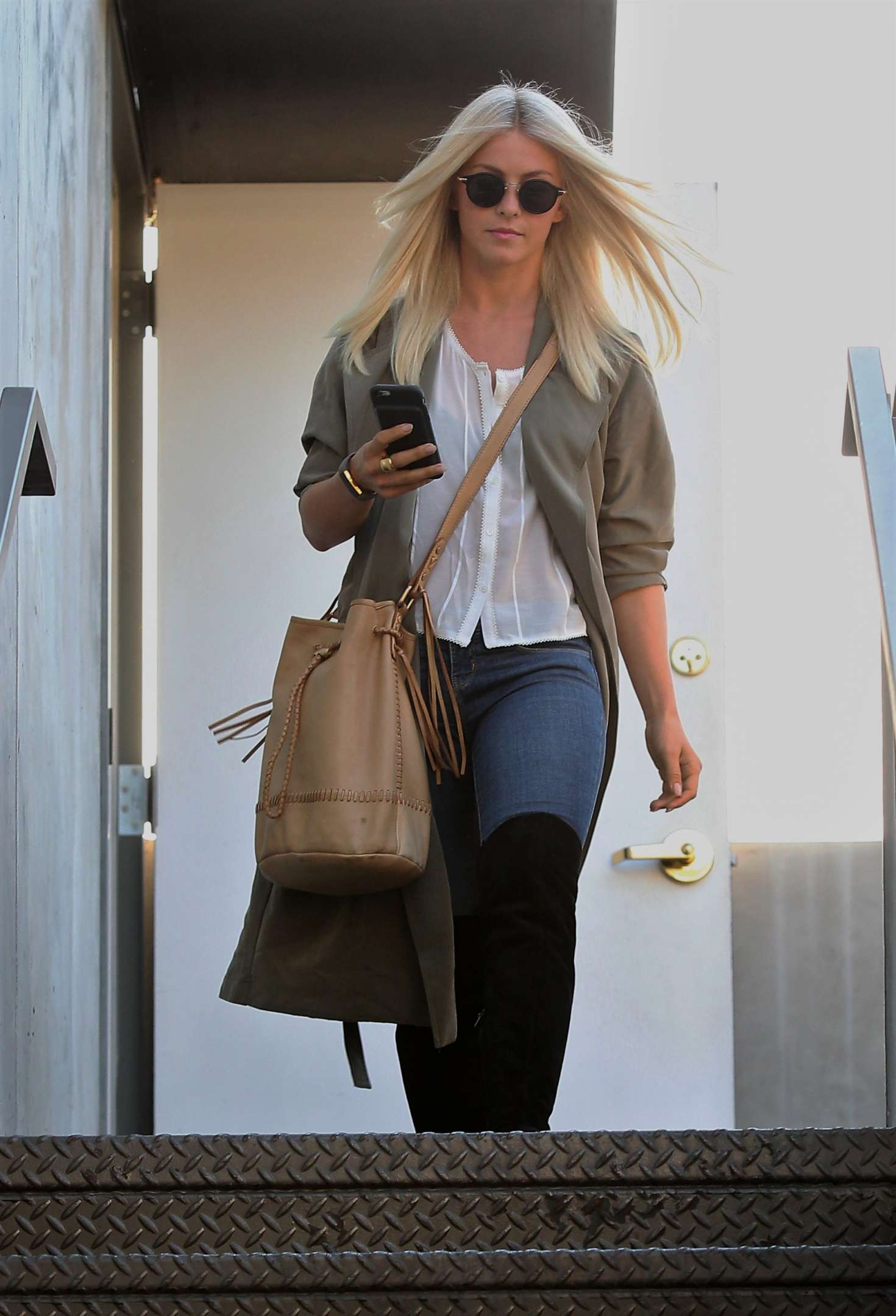 Julianne hough leaving at 901 hair salon 05 gotceleb for 901 salon west hollywood