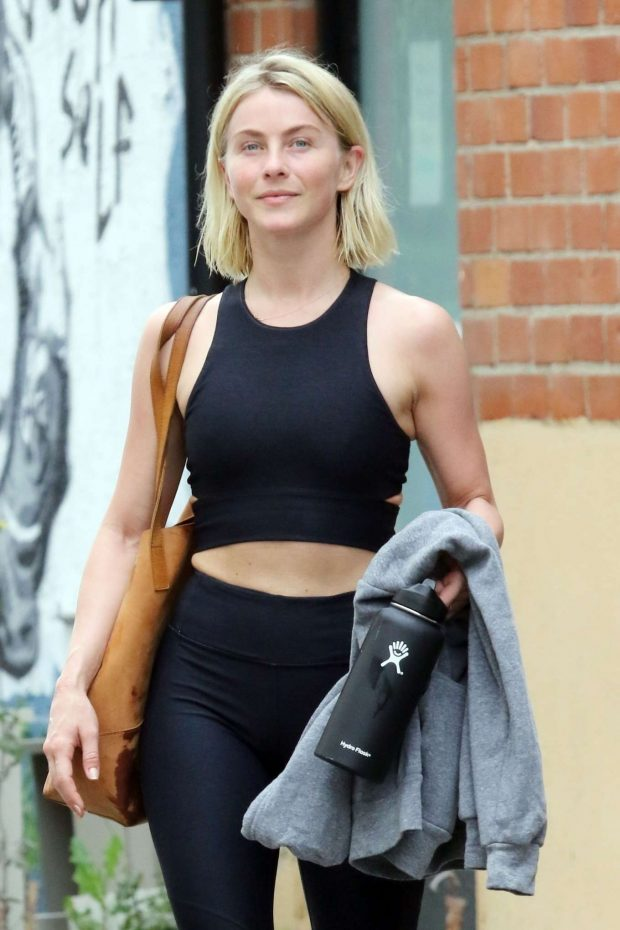 Julianne Hough: Leaving the gym in LA -03