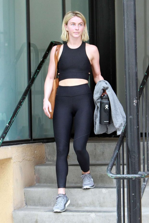 Julianne Hough 2019 : Julianne Hough: Leaving the gym in LA -10