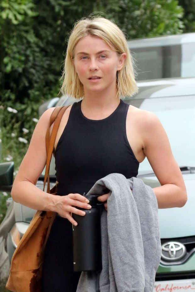 Julianne Hough 2019 : Julianne Hough: Leaving the gym in LA -13