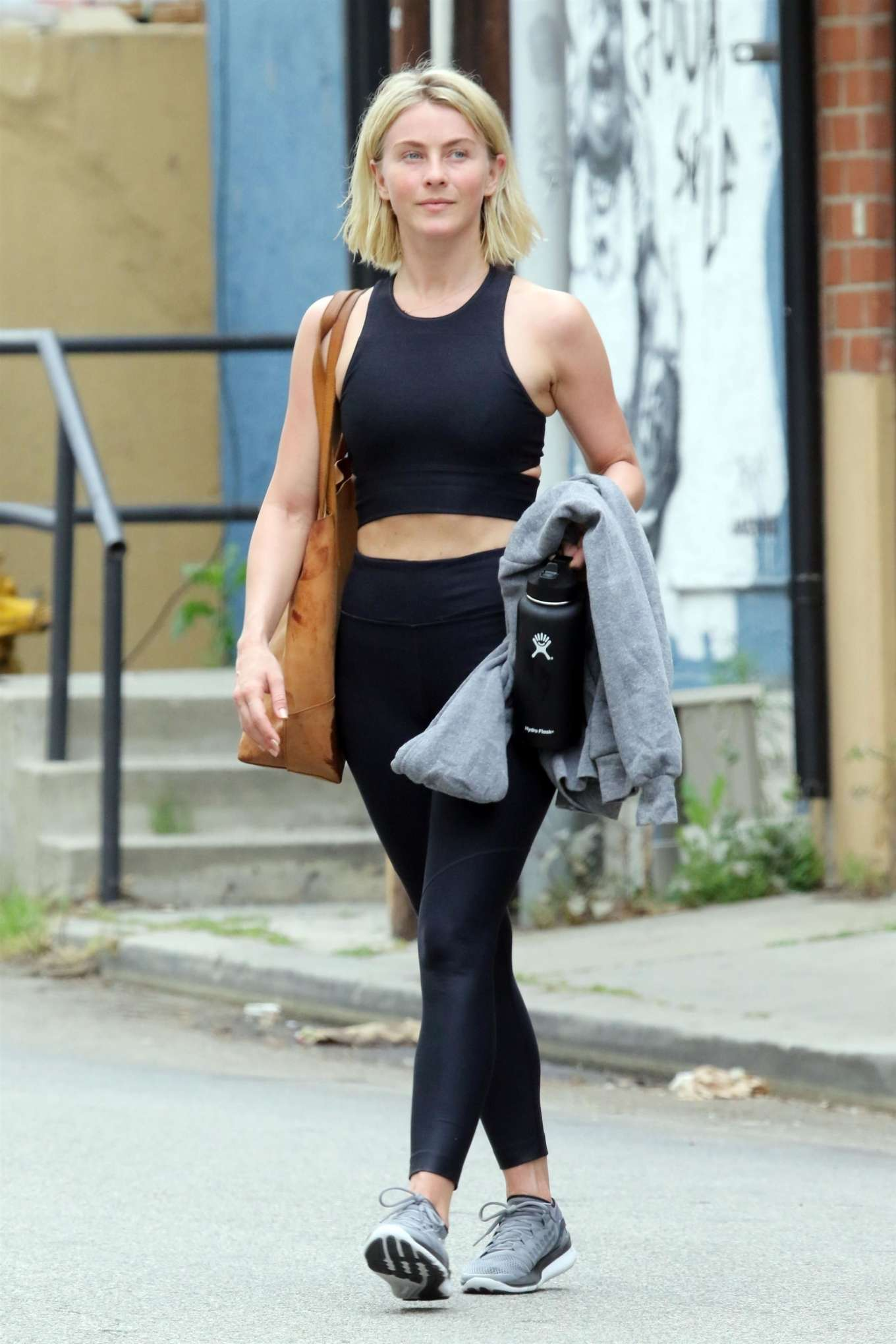 Julianne Hough 2019 : Julianne Hough: Leaving the gym in LA -16