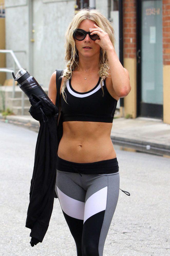 e4c3f9fbcea38 Julianne Hough in Leggings and Sports Bra -04 – GotCeleb