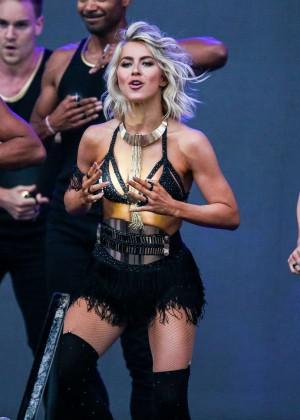 Julianne Hough: Move Live Tour -08