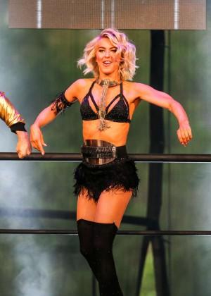 Julianne Hough: Move Live Tour -09