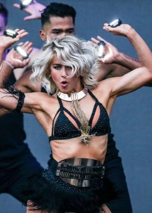 Julianne Hough: Move Live Tour -17