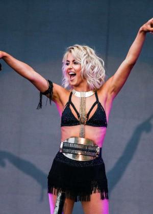 Julianne Hough: Move Live Tour -21