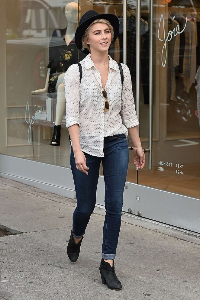 http://www.gotceleb.com/wp-content/uploads/photos/julianne-hough/out-and-about-in-los-angeles/Julianne-Hough-in-Tight-Jeans--05-662x993.jpg Julianne