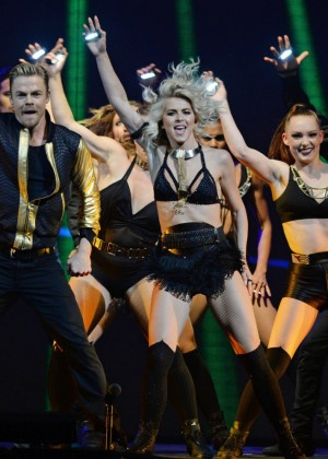 Julianne Hough: Performing at MOVE Live on Tour -05
