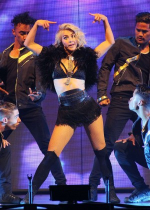 Julianne Hough: Performing at MOVE Live on Tour -09