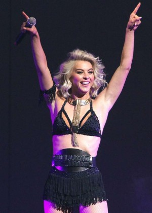 Julianne Hough: Performing at MOVE Live on Tour -15