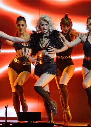 Julianne Hough: Performing at MOVE Live on Tour -25