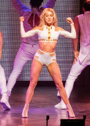 Julianne Hough - Performing on her Move On Live tour in Orlando