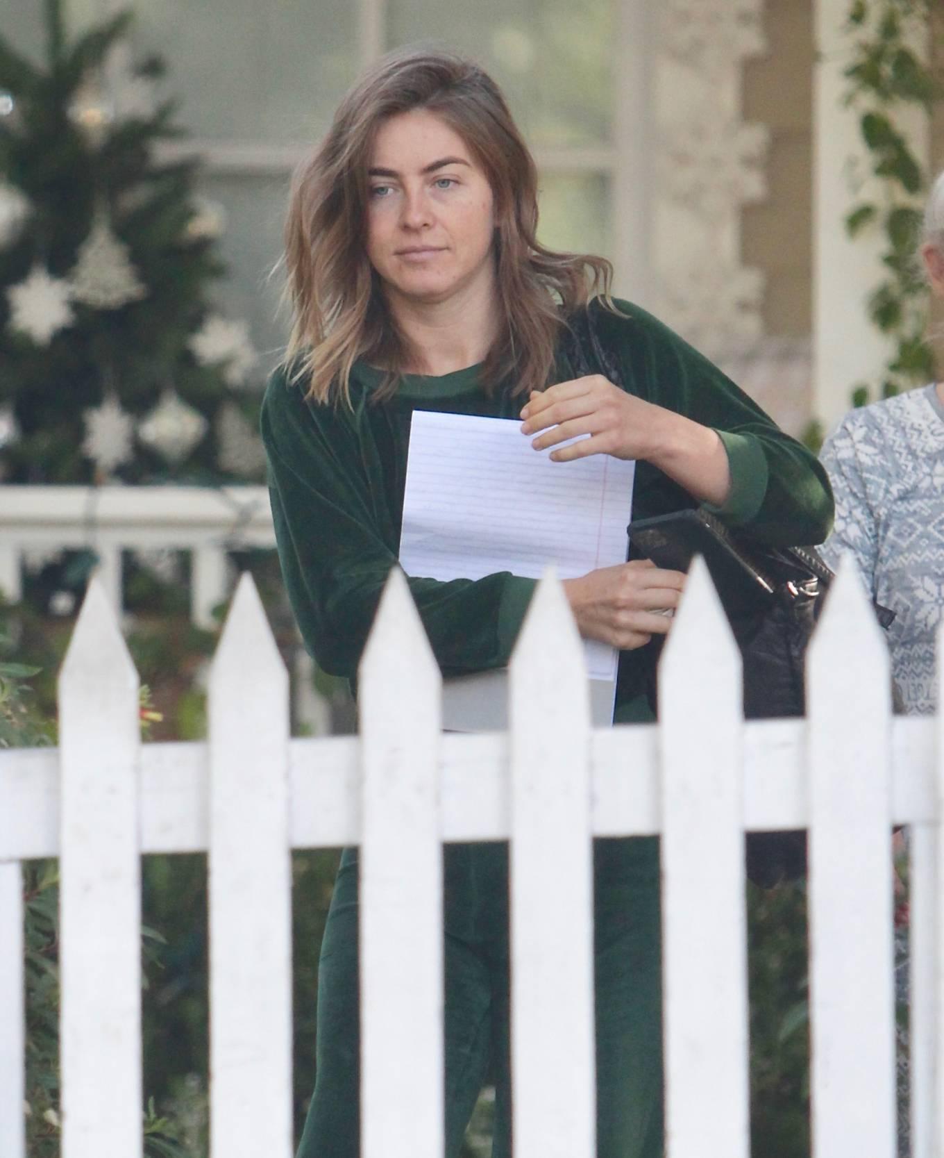 Julianne Hough 2020 : Julianne Hough – Seen leaving her mothers house in Studio City -10