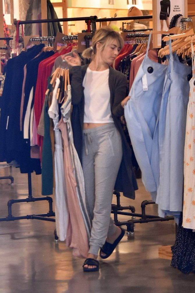 Julianne Hough – Shopping in Studio City