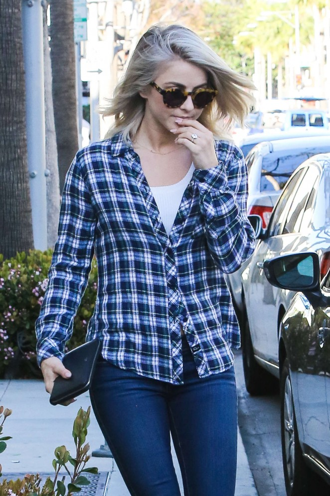 Julianne Hough - Shopping on Rodeo Dr. in Beverly Hills