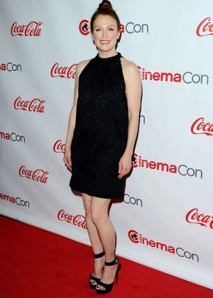 Julianne Moore - 2015 CinemaCon Big Screen Achievement Awards in Las Vegas