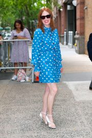 Julianne Moore - Arrives at Kelly And Ryan show in New York City