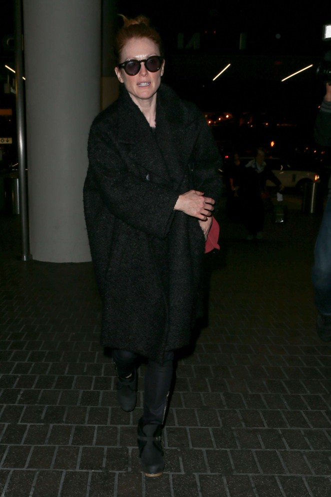 Julianne Moore – Arriving at LAX -15