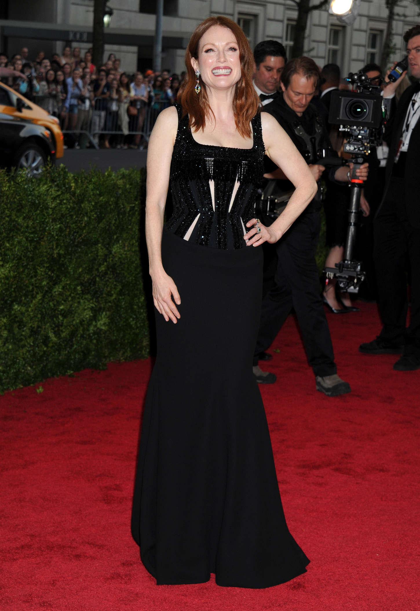 Julianne Moore - 2015 Costume Institute Gala in NYC