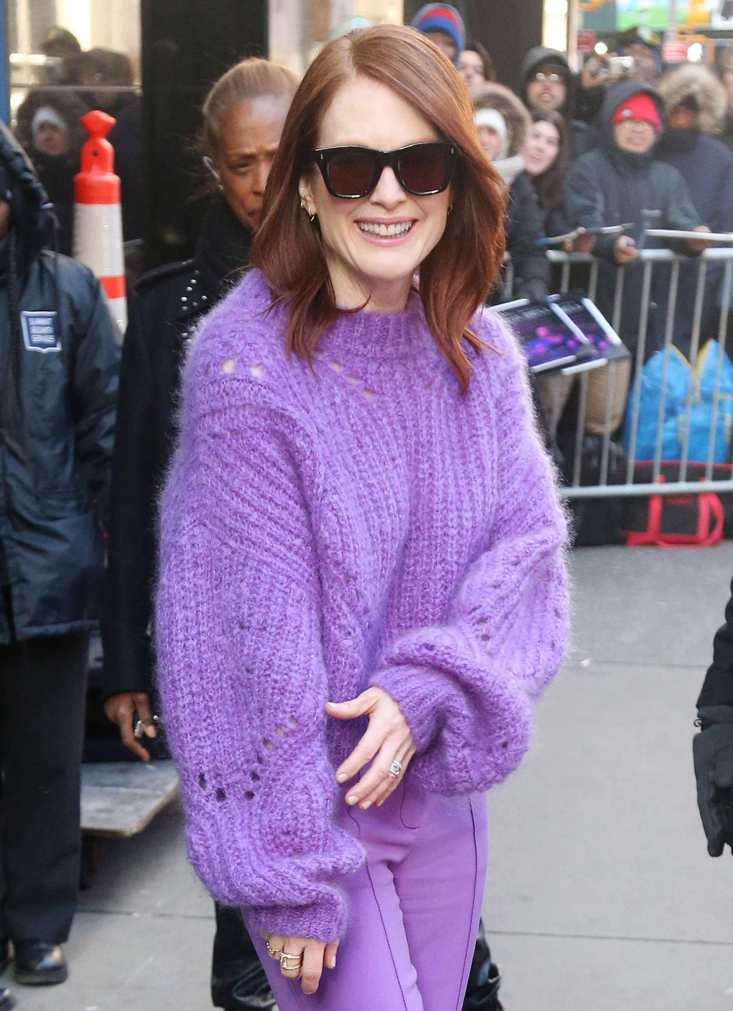 Julianne Moore 2019 : Julianne Moore: Leaving Good Morning America Studios -03