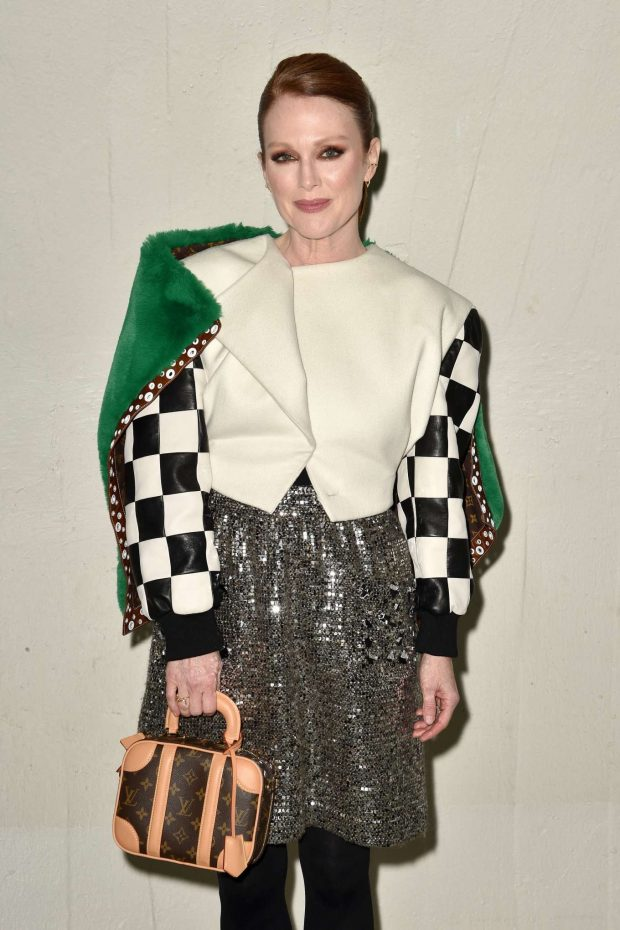 Julianne Moore - Louis Vuitton Cruise 2020 Fashion Show at JFK Airport in NY